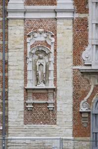 sintrochusstraat43amadonna2011